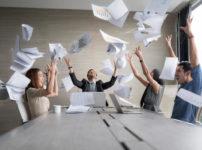 店長会議は経費の無駄!オンラインで十分。